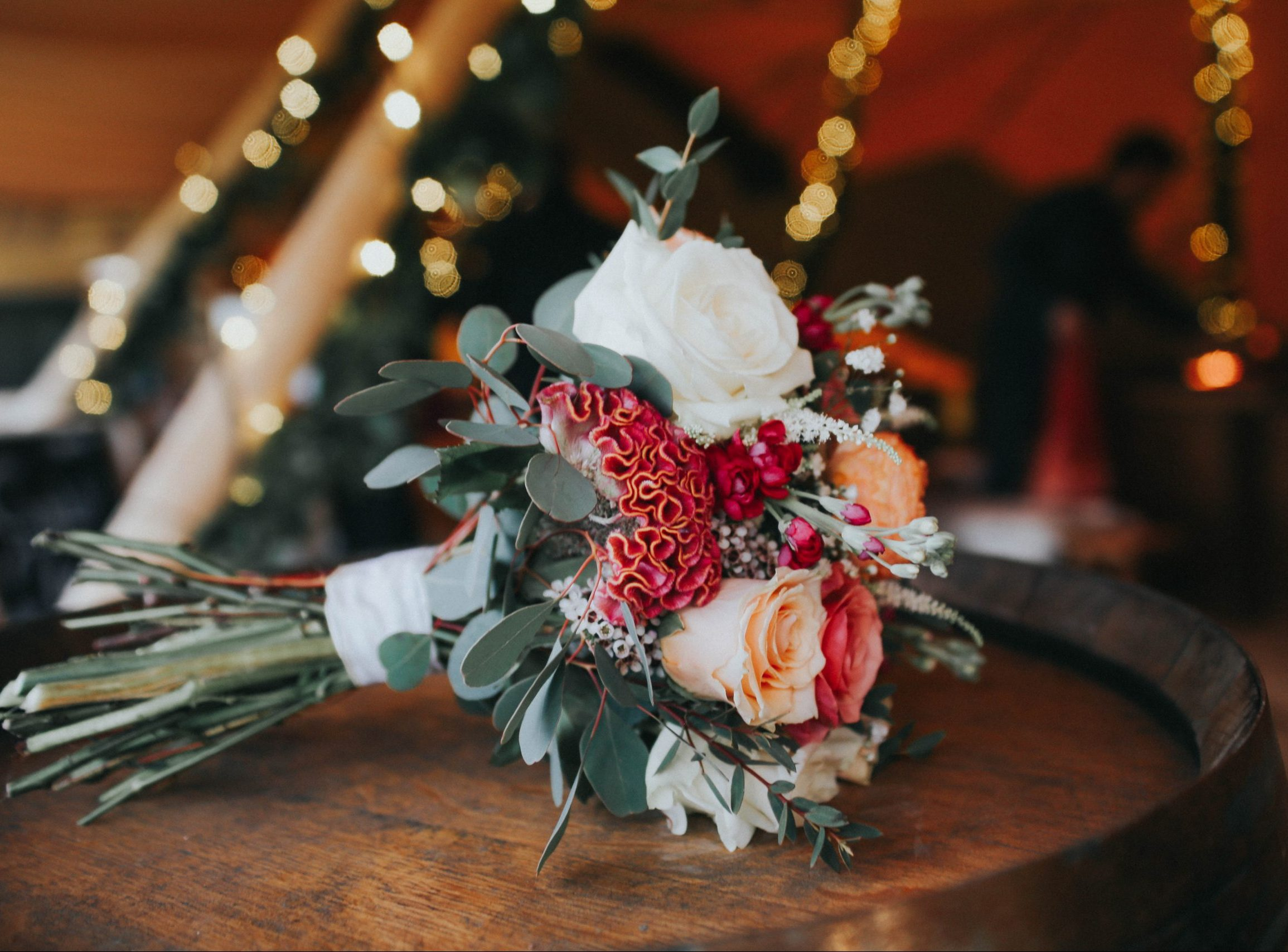 reasons to have a tipi wedding,